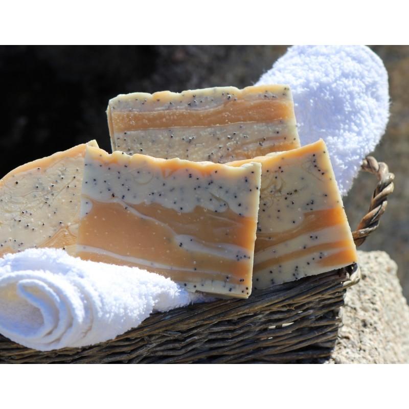 Savon naturel surgras exfoliant aux huiles essentielles BIO de Citronnelle pour tous types de peaux